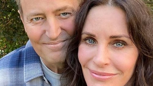 'Friends' alums Courteney Cox, Matthew Perry reunite