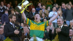 Newtownshandrum's John McCarthy was the last Tommy Moore Cup cup-winning captain from Cork or Tipperary (2004)