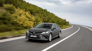 The hybrid Camry won out on overall appeal.