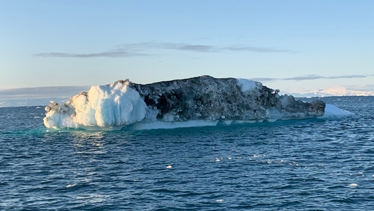 Toll of climate change on Greenland's icebergs unnerving