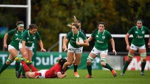 Eimear Considine makes a line break against Wales
