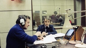 Niall Tóibín records voiceover for The Making of the Land League (1979)