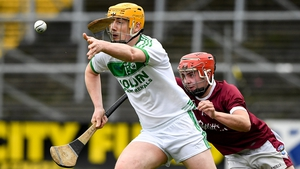 Eoin Reid of Ballyhale Shamrocks in action against Eoin O'Leary of St Martin's