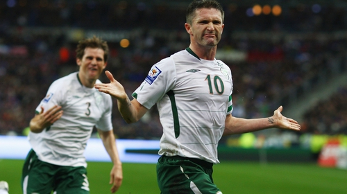 Robbie Keane celebrates his goal at the Stade de France in 2009