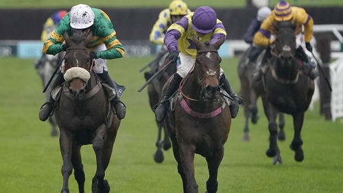 Richard Patrick on Happy Diva (yellow and purple silks) prevailed in a thrilling finish