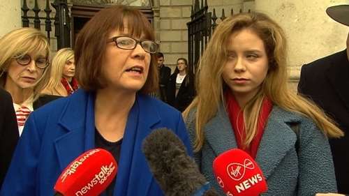 Aoife Bennett (R) with her mother Mary after the High Court case yesterday