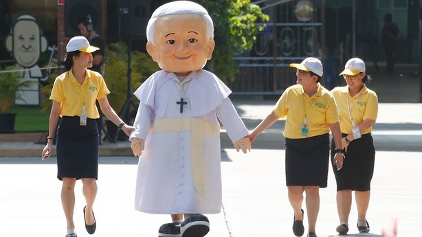 Pope Francis in Thailand at start of Asian tour
