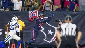 Houston Texans wide receiver DeAndre Hopkins (10) catches a touchdown against the Indianapolis Colts