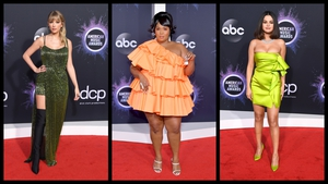 All the fashion from the AMAs.
