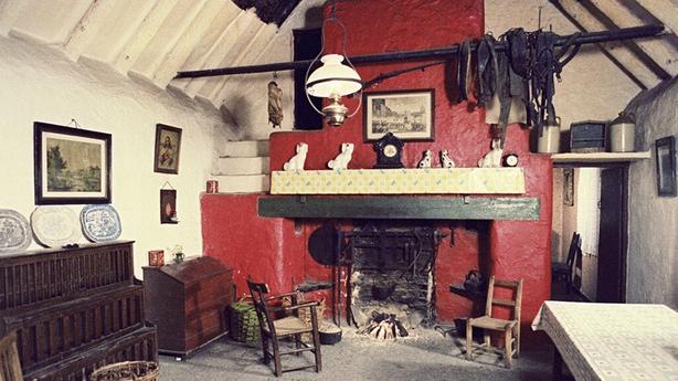 Reconstructed Irish cotttage, Bunratty folk park (1979)