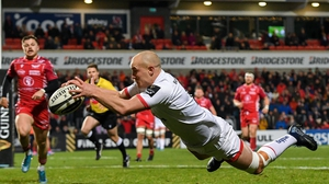 Matt Faddes takes his try