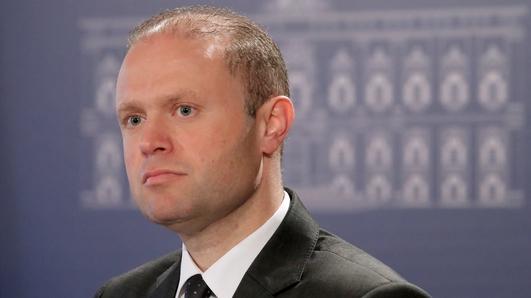 Cathal Ó Coinnín, tráchtaire, Malta.