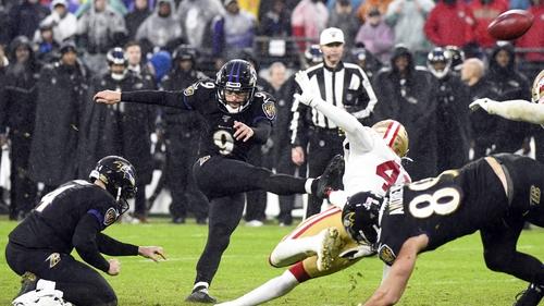 Baltimore Ravens kicker Justin Tucker (9) kicks the game winning 49-yard field goal