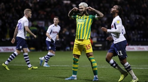 Charlie Austin celebrates his match-winning penalty against West Brom