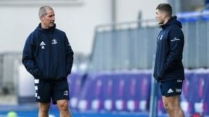 Stuart Lancaster and Jordan Larmour at Leinster training