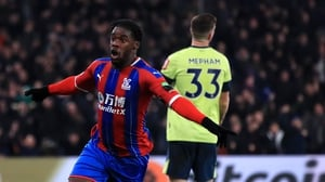 Jeffrey Schlupp celebrates scoring his second goal in as many games