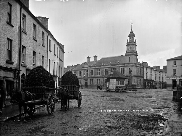 The Square in Tuam, Co. Galway Photo: National Library of Ireland, L_ROY_06759
