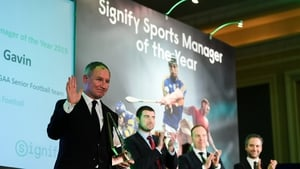 Jim Gavin collecting the Signify Sports Manager of the Year