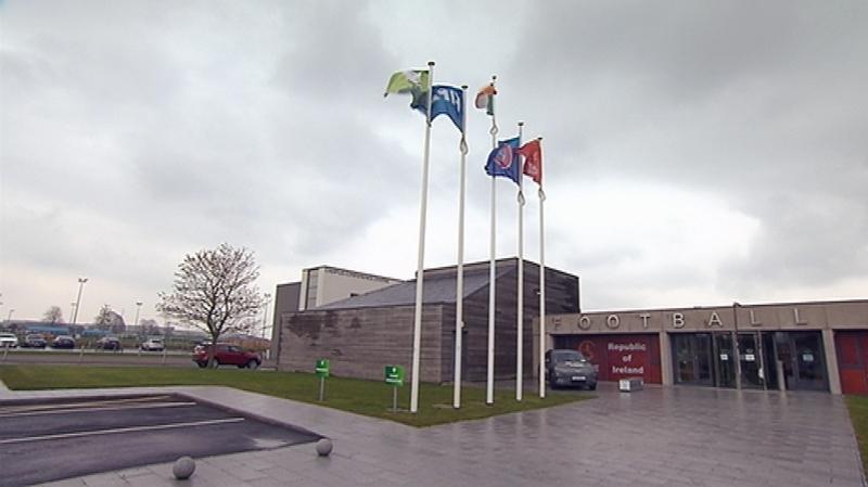 Ceannáras Chumann Peile na hÉireann i mBaile an Aba