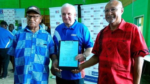 Bertie Ahern with Autonomous Bougainville Govt President John Momis (L) and PNG Minister Puka Temu