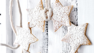 Undated Handout photo of vanilla star wreaths from Christmas Feasts and Treats by Donna Hay