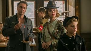 (L-R) Sam Rockwell, Scarlett Johansson and Roman Griffin Davis in Jojo Rabbit