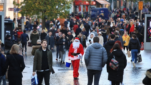 Spending over the six-week period surrounding Christmas will top €4.9bn