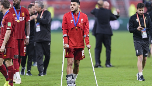 Alex Oxlade Chamberlain suffers ankle ligament injury