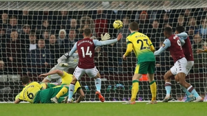 Substitute Conor Hourihane plundered the onloy goal of the game at Villa Park