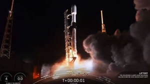 A SpaceX Falcon 9 rocket took off without incident from Cape Canaveral in Florida carrying the 60 Starlink satellites