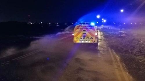 Gardaí in Salthill at high tide this evening (Pic: @GardaTraffic)