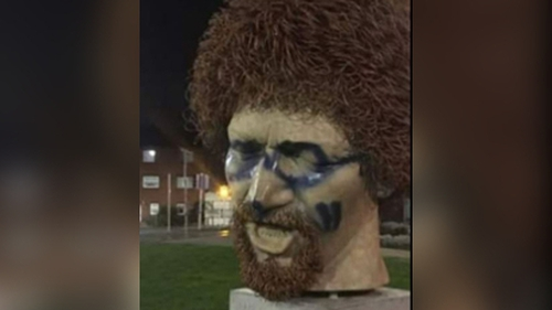 Black paint was used to put sunglasses on the statue,as well as marks on the nose and cheek