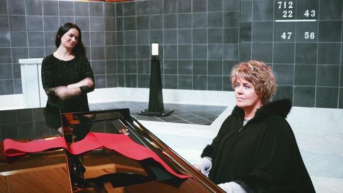 Linda Buckley and Icelandic performer Adda, AKA Arnhildur Valgarðsdóttir