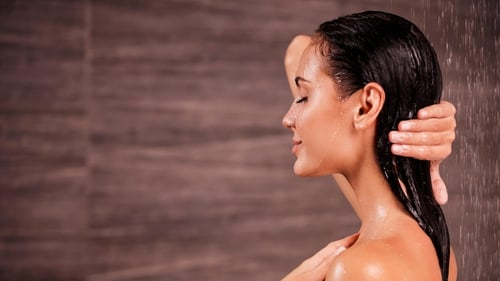 We asked three experts for the low-down on shampooing frequency.