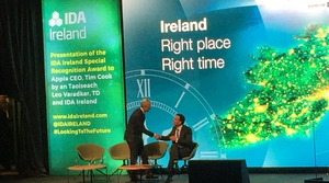 Taoiseach Leo Varadkar meets Apple CEO, Tim Cook, at the IDA event today