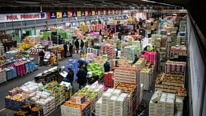 Power to the international food market at Rungis was cut