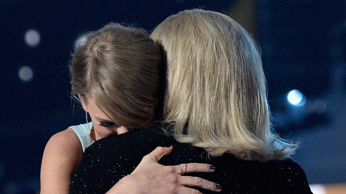 """Taylor and Andrea Swift - (pictured at the 50th Academy of Country Music Awards in Arlington, Texas in April 2015) - """"It's just been a really hard time for us as a family"""""""