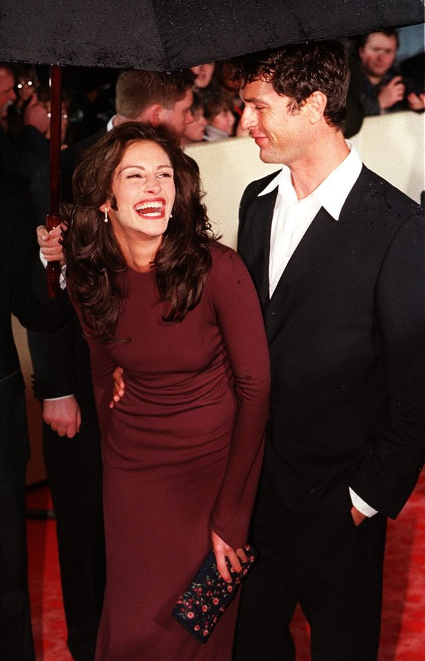 Julia Roberts and Rupert Everett at the 1998 Baftas (Stefan Rousseau/PA)