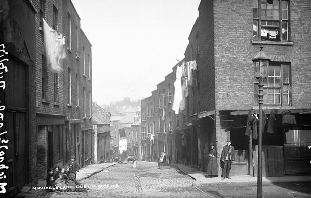 Michael's Lane, Dublin Photo: National Library of Ireland