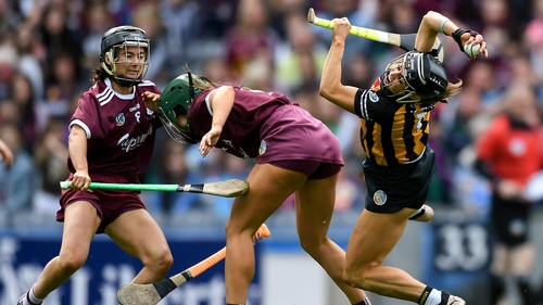 Katie Power in action against Heather Cooney, centre, and Aoife Donohue of Galway