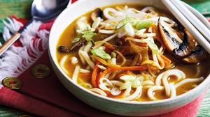 Udon noodle curry soup