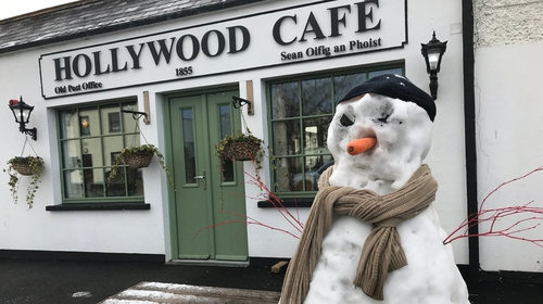 A snowman waits for an iced coffee in Hollywood village, Co Wicklow (Pic: Rolling News)