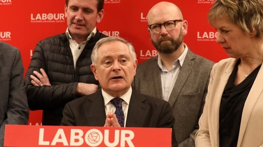 Howlin won't back any candidate in Labour race