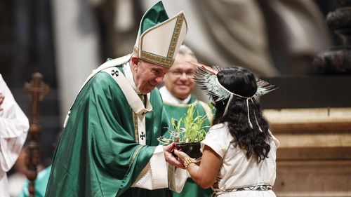Upholding celibacy, Pope Francis sidesteps bid to ordain some married men