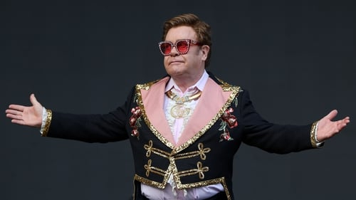 Elton John Stops Concert Due to Walking Pneumonia
