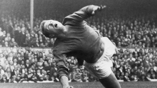 Harry Gregg: Former Manchester United goalkeeper dies aged 87