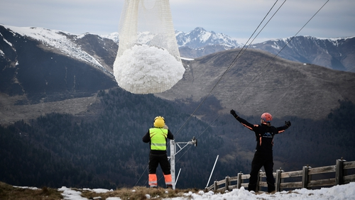 Ski resort gets snow delivered by helicopter