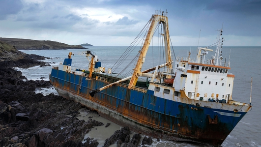 Operation to life fuel from stranded ship off Cork underway