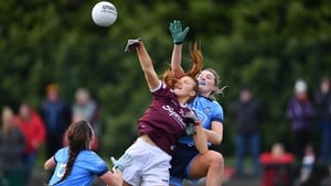 Siobhán Divilly of Galway rises up between Dublin's Jennifer Dunne (R) Leah Caffrey at Parnell Park.