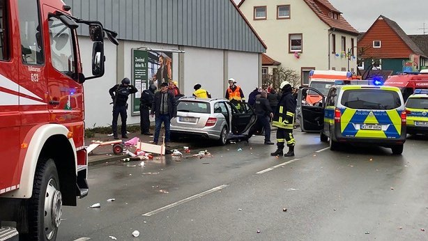 German man drives car into Carnival crowd, injures 30